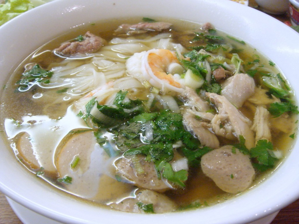 Special phở noodles