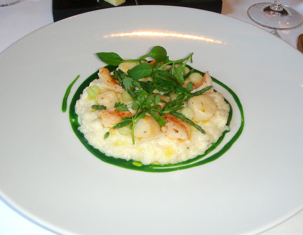 Queen scallop & butter seaweed risotto