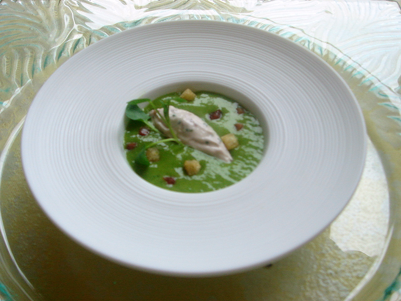 Watercress soup with cream cheese & Parma ham