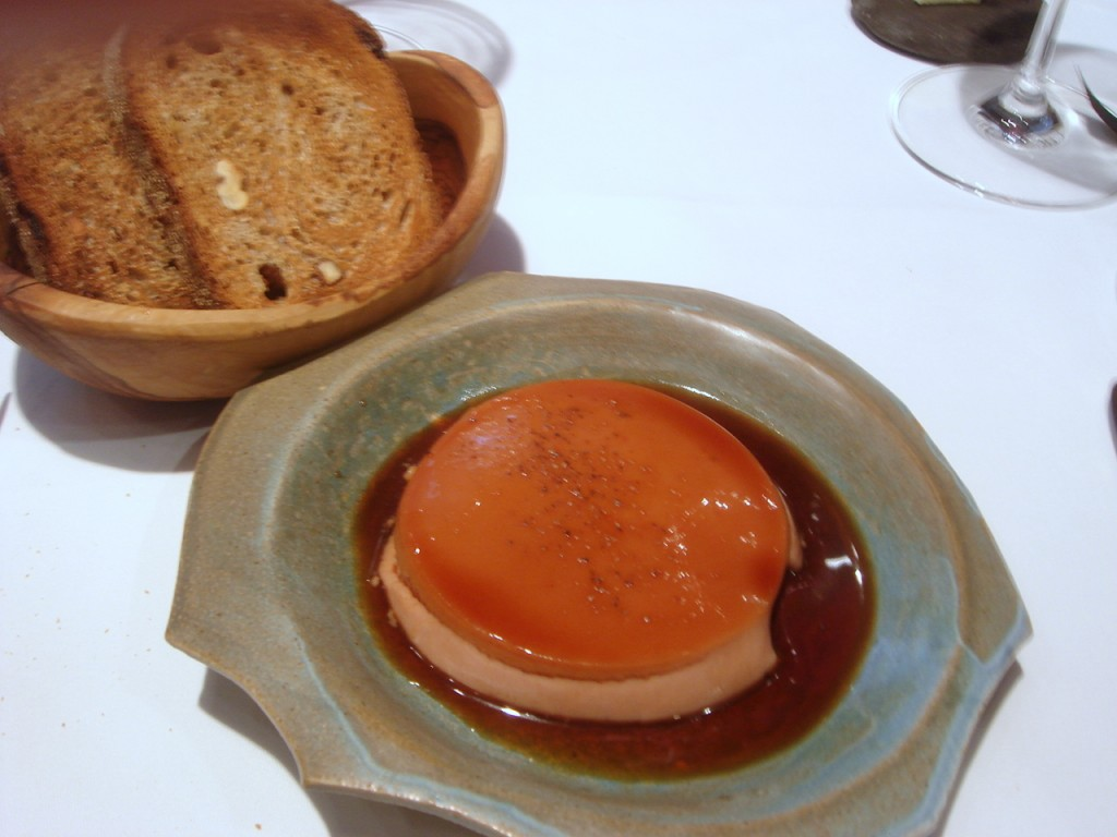 Foie gras with dark caramel sauce