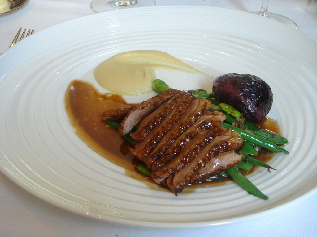 Farmed Challan duck, Jerusalem artichoke soubise & red wine jus