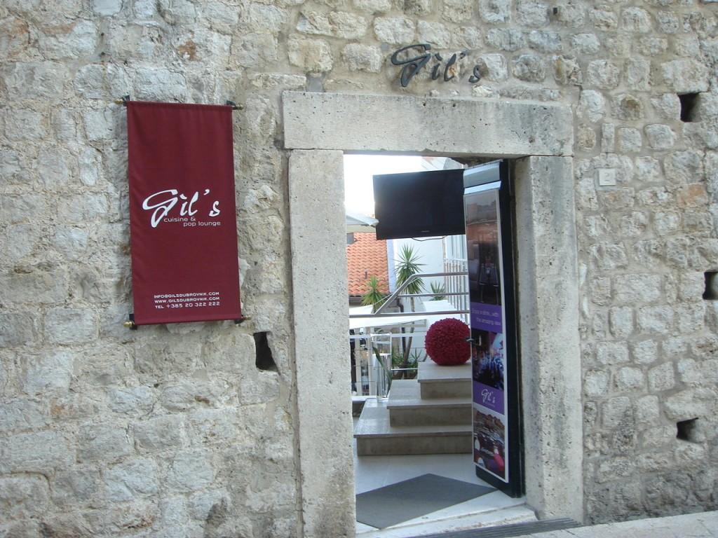 Gil's Cuisine & Pop Lounge