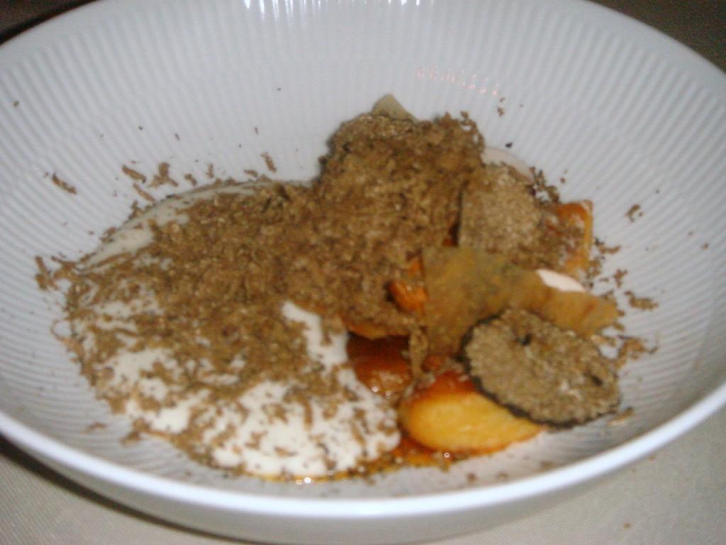 Chanterelles, chicken skin, parmesan & summer truffle