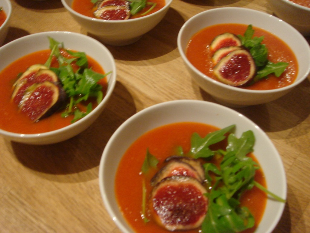 Tomato and fig soup