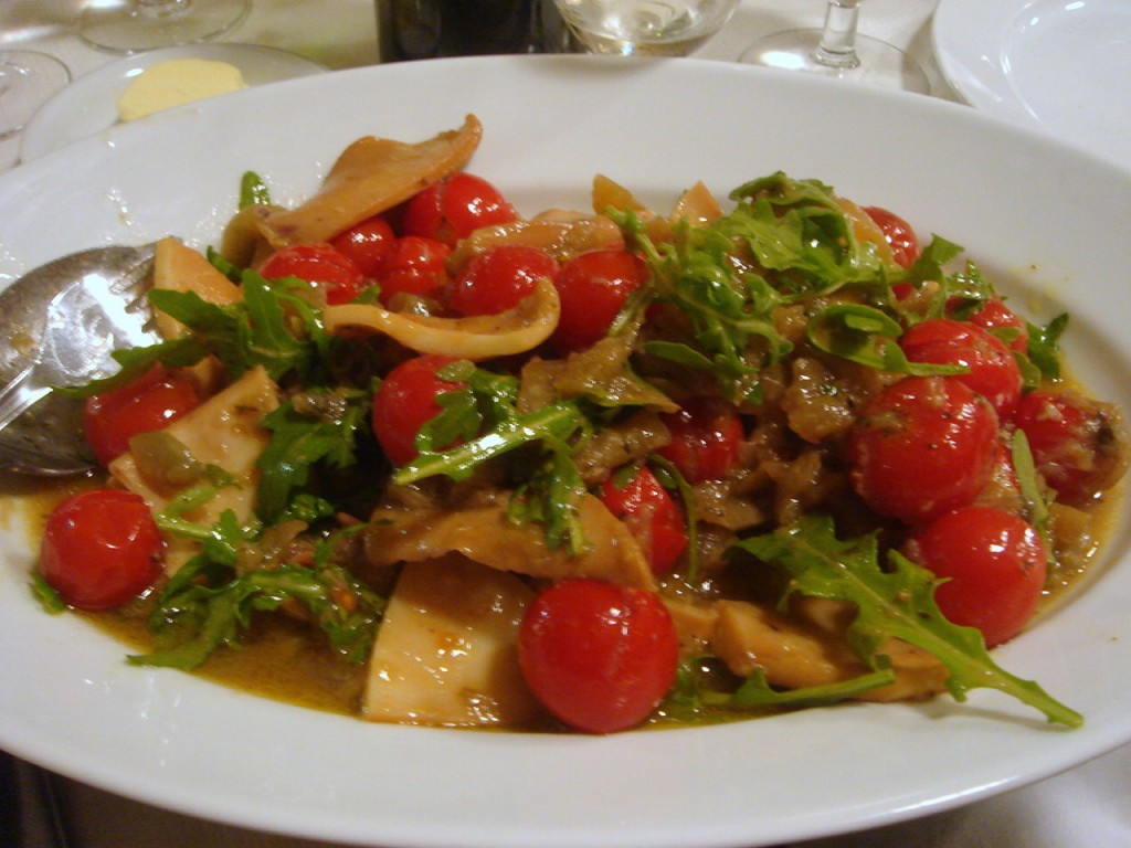 Squid with tomato & fennel
