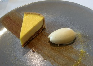 Date and vanilla tart