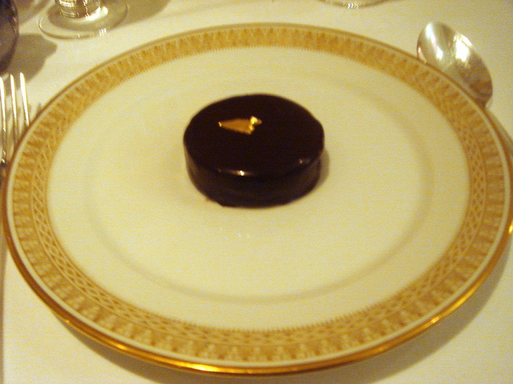 Golden Louis XV dark chocolate & praline