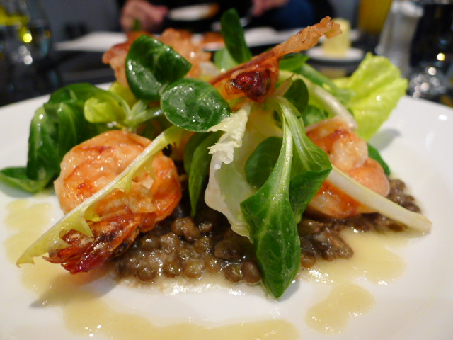 King prawns with bacon & lentils