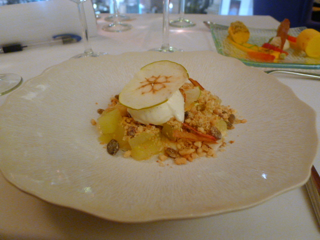 "Granny Smith apple and roasted nut ""muesli"""