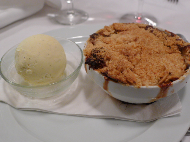 Apple crumble with vanilla ice-cream