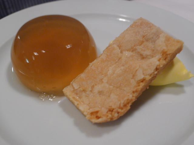 Elderflower jelly & shortbread