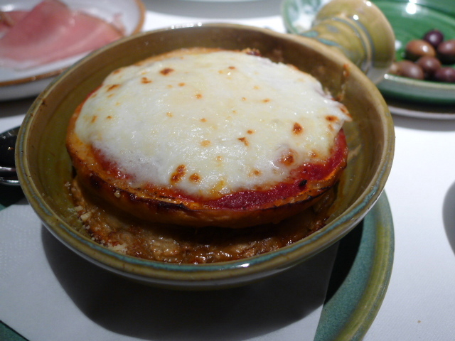 Aubergines & parmesan bake