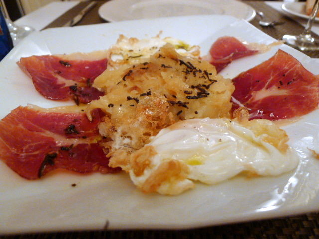 Egg, potato, Iberian ham and truffle