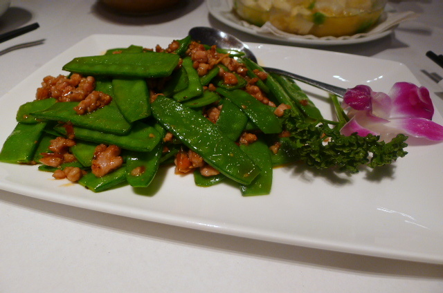 Mangetout with pork