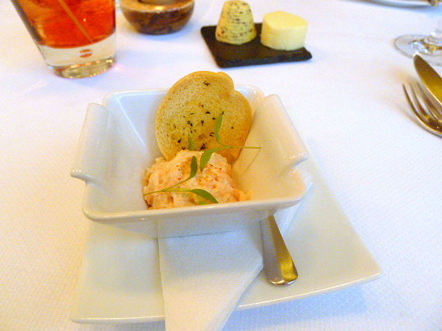 Salmon rillette with garlic croutons