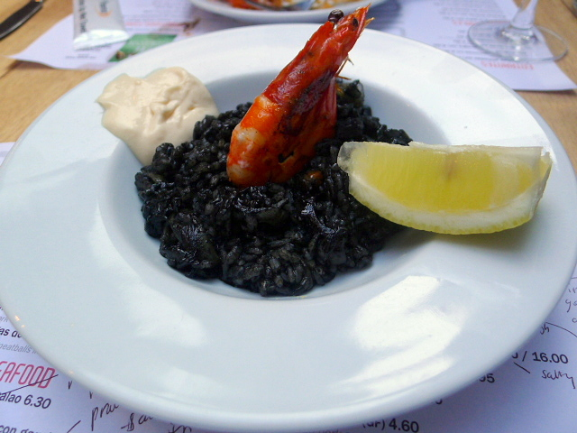 Black rice with squids & mussels