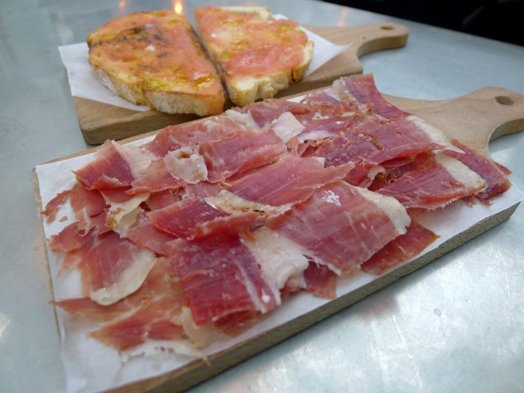 Jamón ibérico & toasted tomato bread