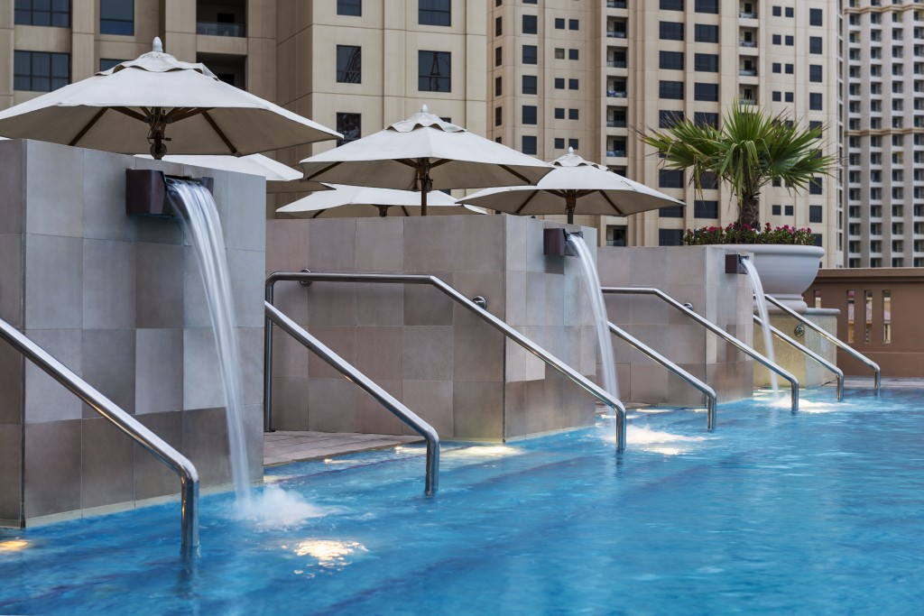 Sofitel Dubai Jumeirah Beach Hotel - the pool