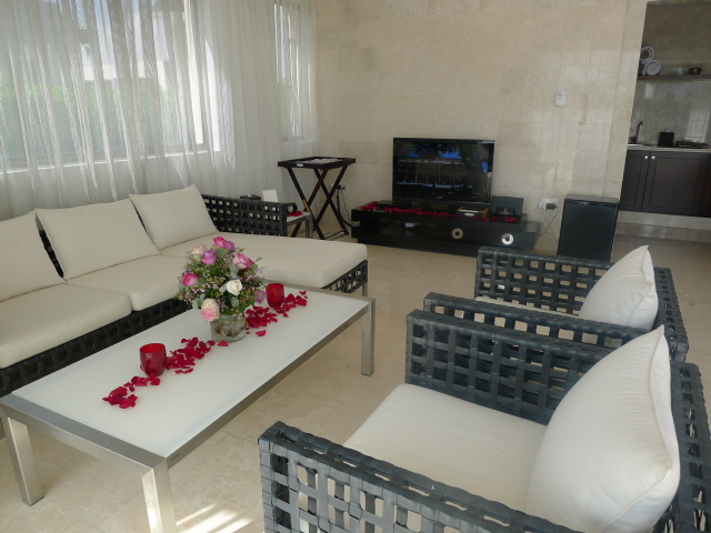 St Regis Doha - The living area of cabana 7