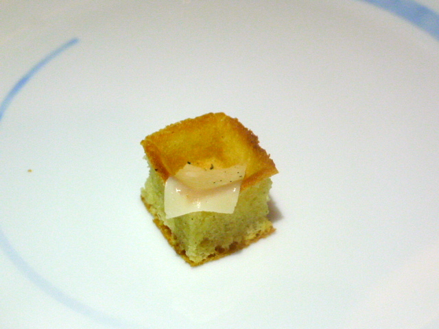 Quisine by Guy Savoy - Waffle with parmesan cheese