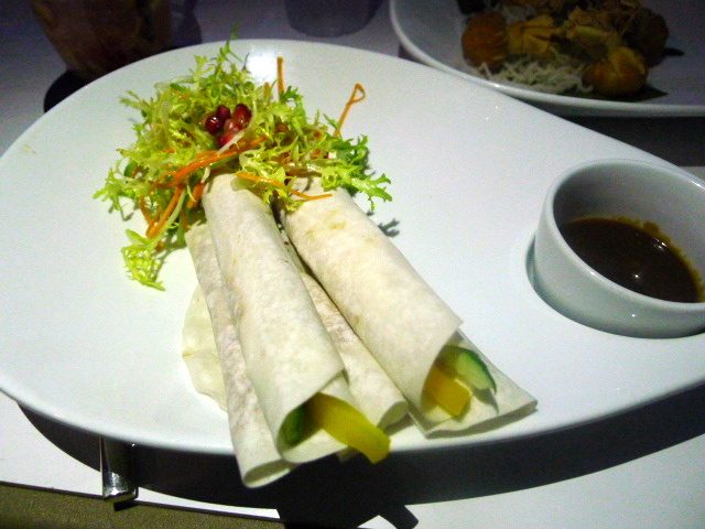 360 Bar & Lounge - Peking duck pancake rolls