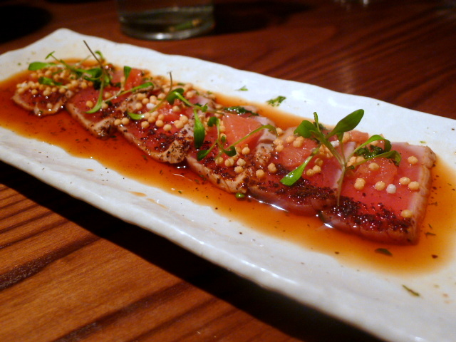 Flesh and Buns - Tuna tataki