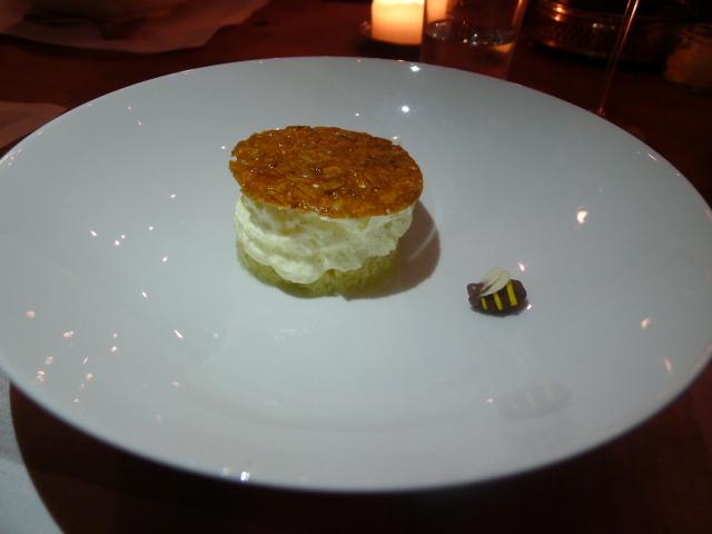 La Soupe Populaire - Bee sting cake