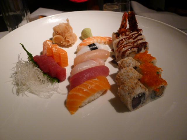 Vox - Sushi, sashimi & prawn roll