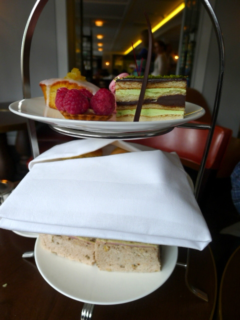 Lanes of London - Afternoon tea tray
