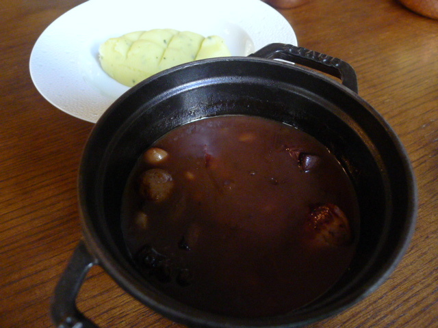 Scarfes Bar - Game sausage stew