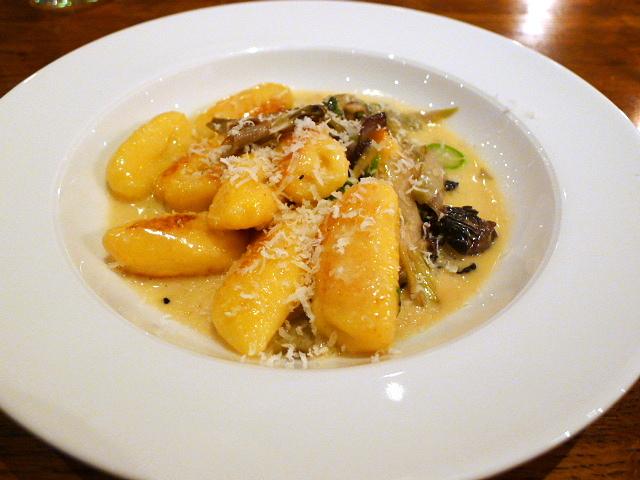 Cafe Murano - Morel & asparagus gnocchi