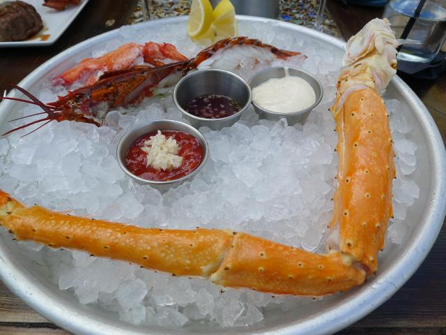 Eleven Eleven - Half lobster & crab