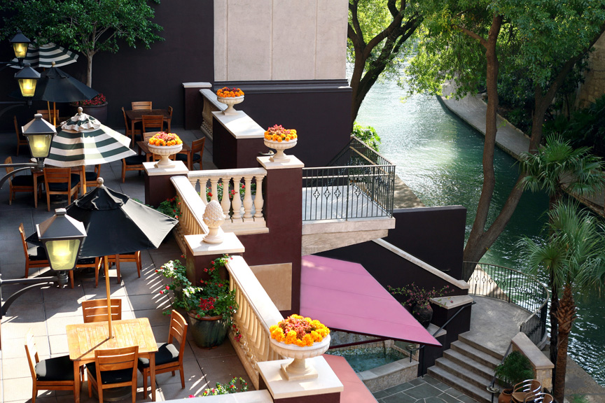 Hotel Valencia Riverwalk - The patio