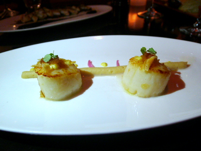 A Voce - Seared scallops