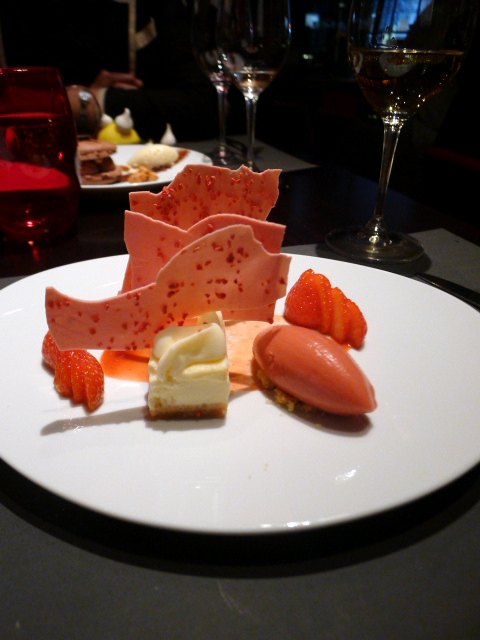 L'Atelier de Joël Robuchon - Strawberry mousse