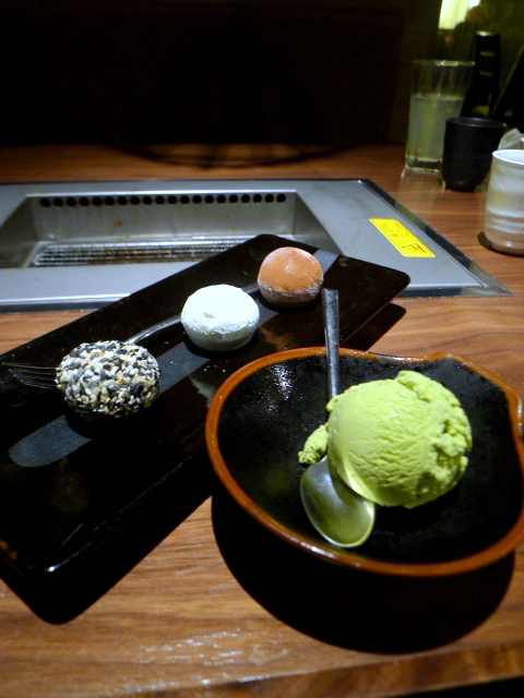 Kintan - Assorted mocha ice cream & green tea ice cream