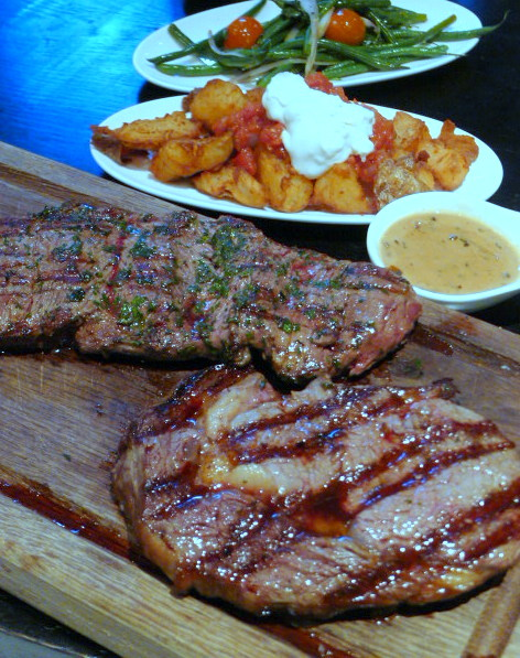 Gaucho - Fillet to the left & rib-eye to the right