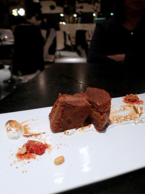 Gaucho - Chocolate & raspberry alfajores