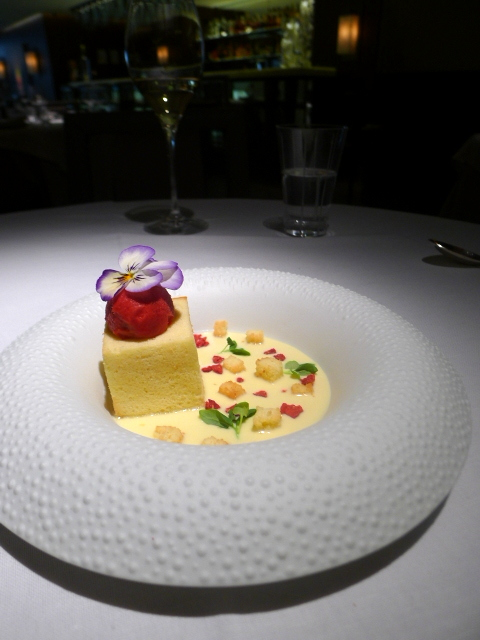 London Food Blog - Quattro Passi - Lemon paradise cake