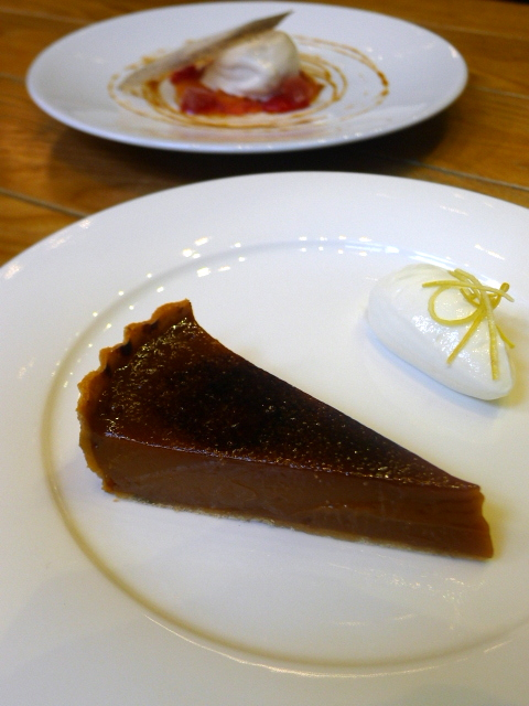 London Food Blog – Mr Coopers - Caramel tart