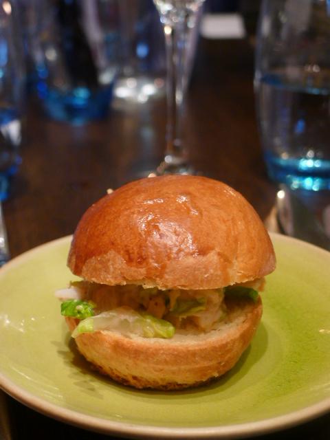 Rotunda - London Food Blog - Lobster roll