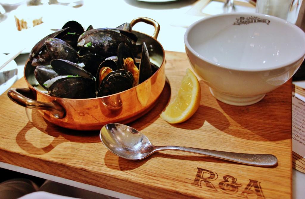 Randall & Aubin – London Food Blog – Mussels