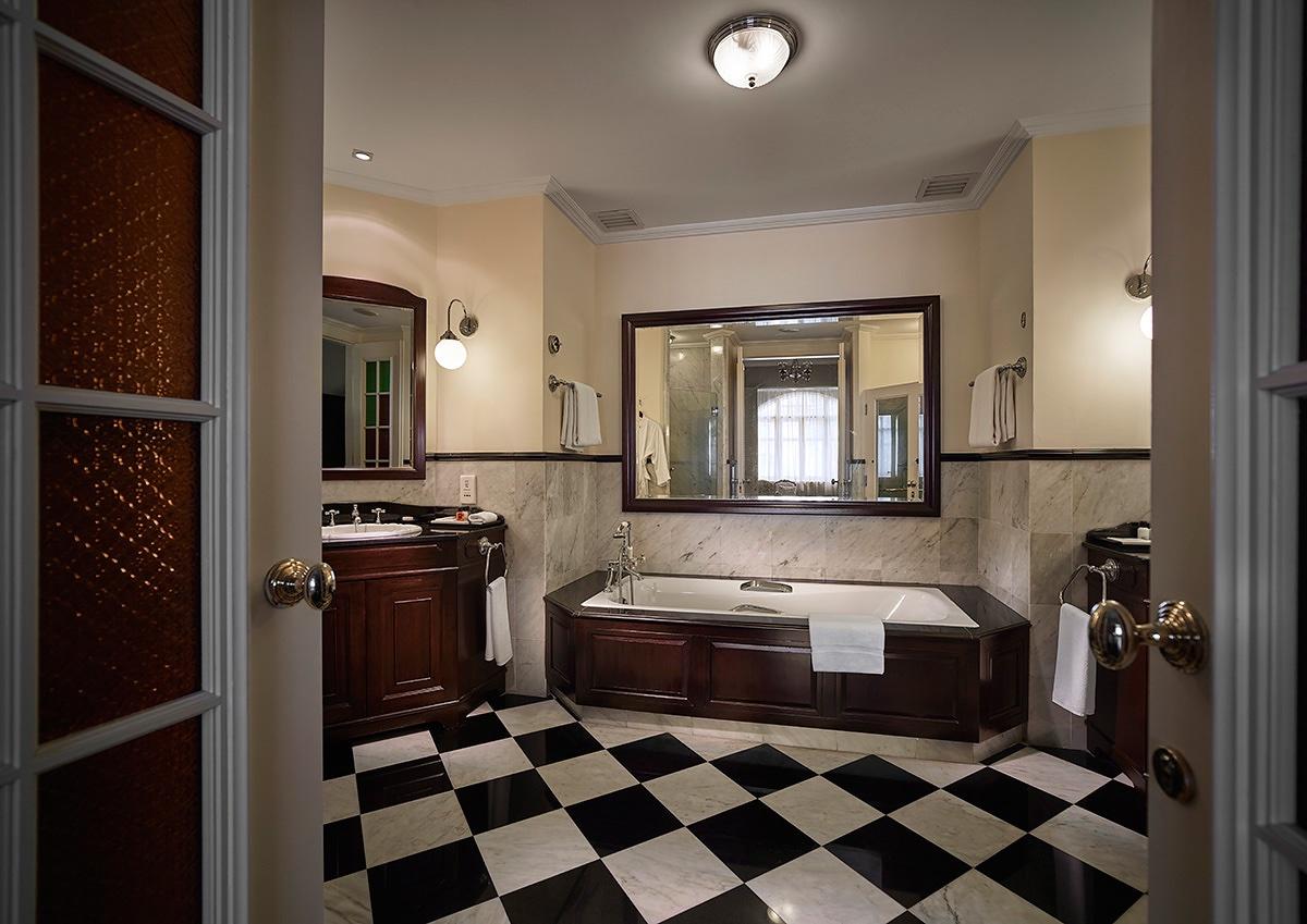 Eastern Oriental Hotel London Food Blog Deluxe Room Bathroom