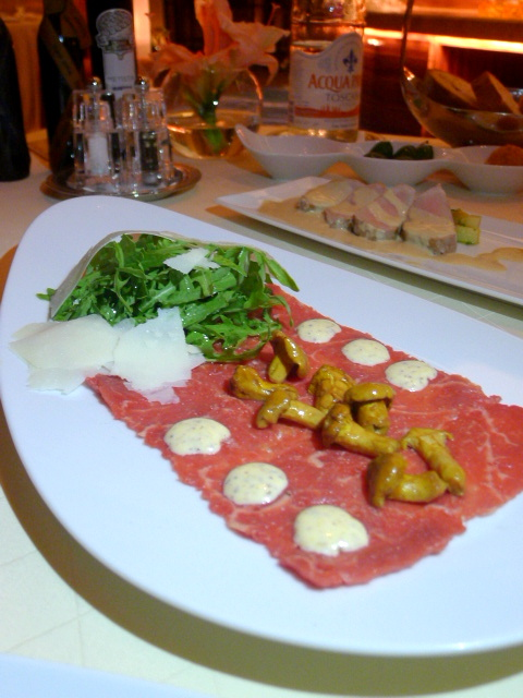 Mezzaluna Emirates Palace - London Food Blog - Beef carpaccio