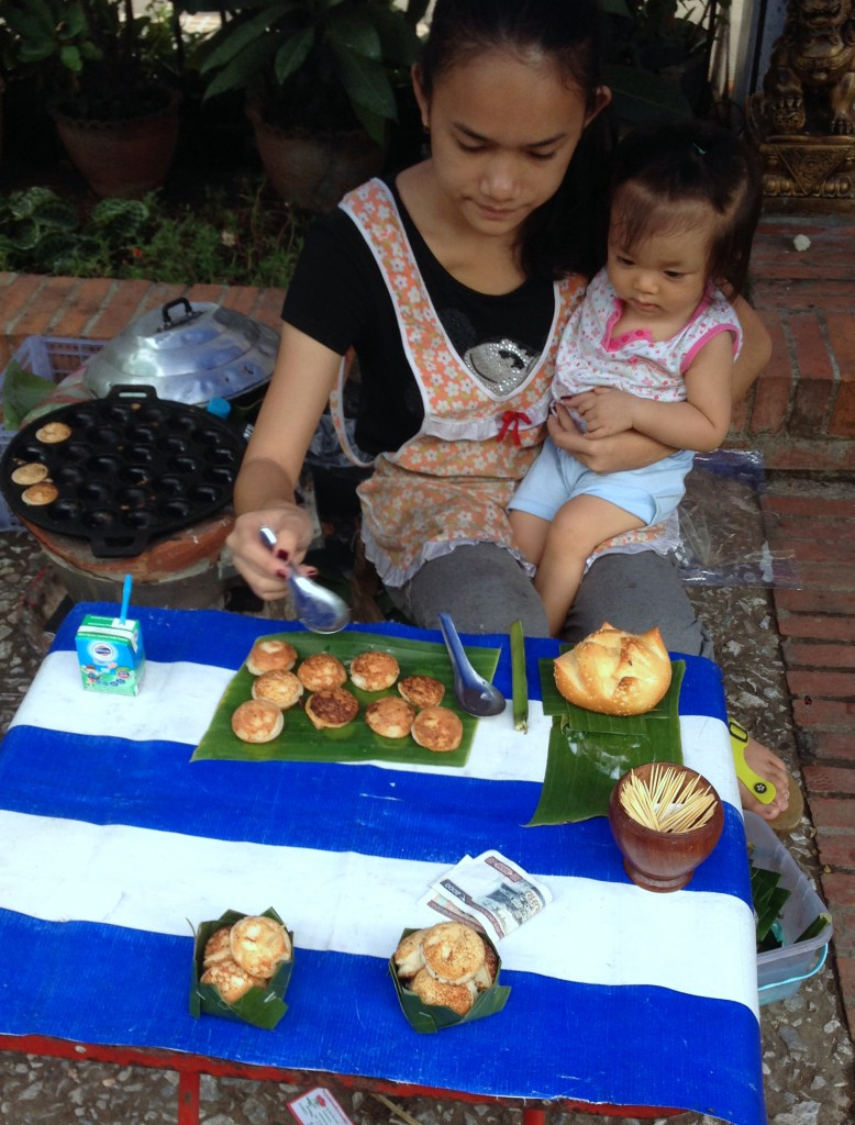 Luang Prabang Food Market - London Food Blog - Coconut cakes