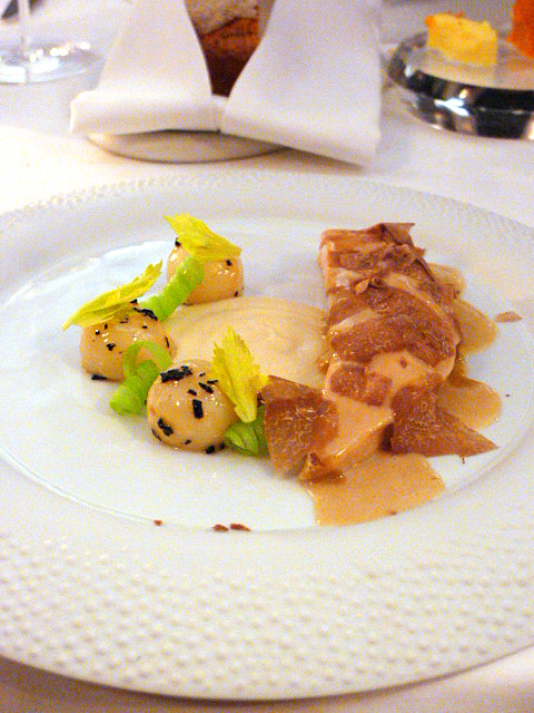 Helene Darroze - London Food Blog - Poulet de Bresse with white truffle